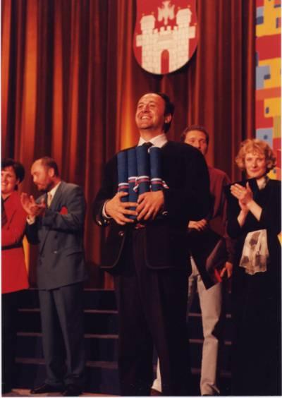 MePZ Hrast je prejel kopico priznanj, bil je tudi najbolje ocenjen zbor nasploh skupaj z APZ Tone Tomšič iz Ljubljane iz (april 1997).