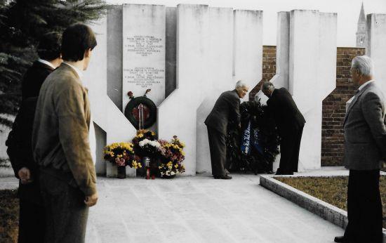 Omaggio alle vittime del campo di concentramento a Gonars