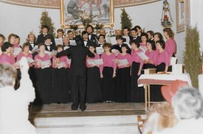Božičnica v župnijski cerkvi sv. Martina v Doberdobu, 1986.