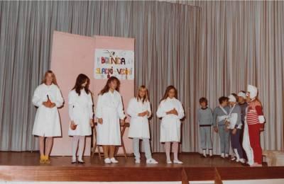 November 1983. Predstava dijakov iz Rojana.