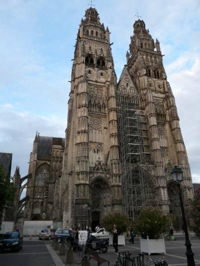 Stolna cerkev v Toursu v. Julij 2008.