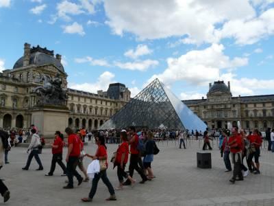 Pariz, Louvre. Julij 2008.