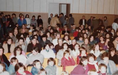 publika na Miklavževanju 1984