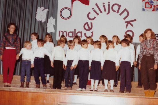 Il coro a voci bianche Veseljaki
